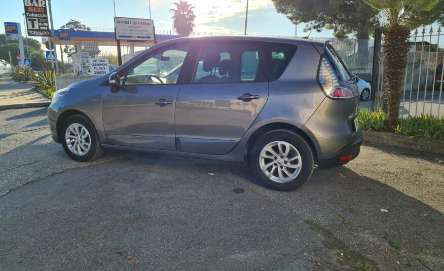 Renault Scenic Xmod 1.5 DCI 110 CV Limited